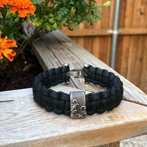David Yurman waves black paracord bracelet